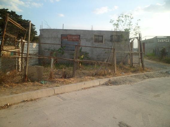 Terreno En Urbanismo Guasimal, Maracay.