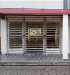 Oficina En Alquiler Sobre Av. Republiquetas