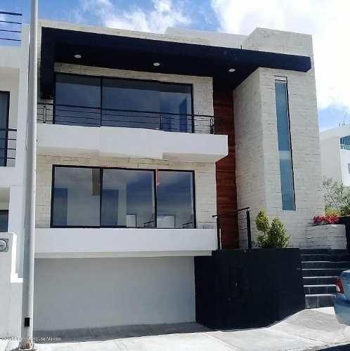 Casa En Venta En Zibata, El Marques, Rah-mx-20-1200