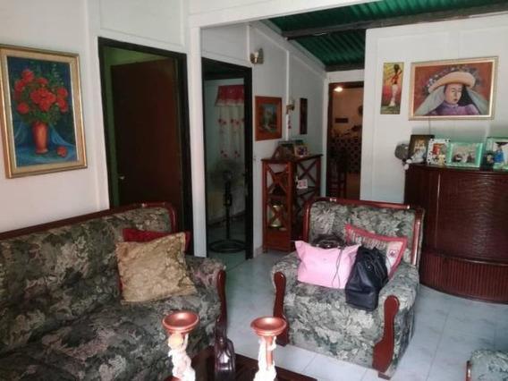 Casa En Venta Barquisimeto Norte Código 19-9012 Ar Lopez
