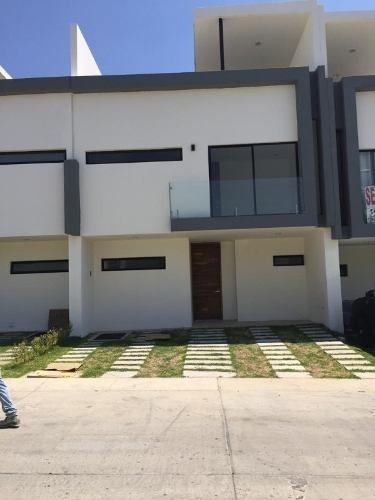 Casa Nueva En Coto Triventi