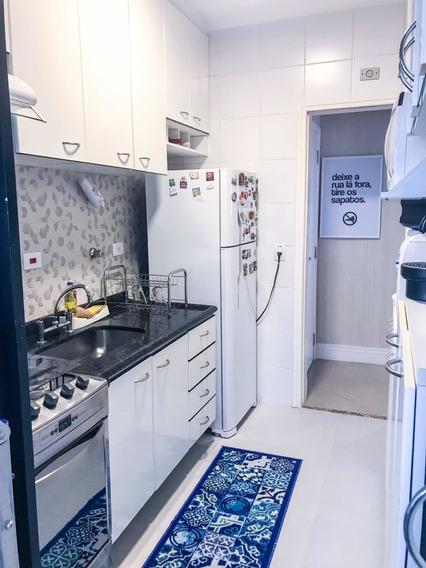 Apartamento 2 Dorm Com 1 Suíte Todo Reformado