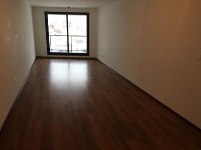 Apartamento En Alquiler Por Temporada De 2 Dormitorios En Ciudad Vieja