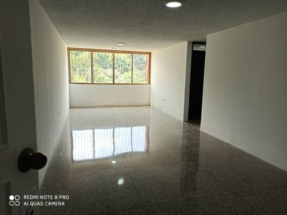 Apartamento En Conj. Residencial La Arboleda
