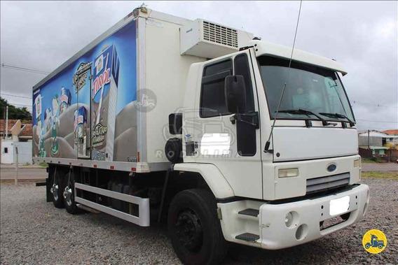 Ford Cargo 2422 6x2 2010 / Bau Frigorifico