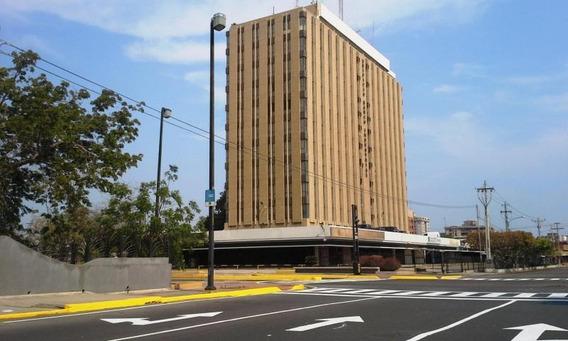 Oficinas En Torre Banco Industrial En Alquiler