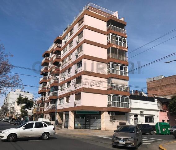Departamento 4 Ambientes Todo Al Frente, Excelente Iluminación- Villa Gral Mitre