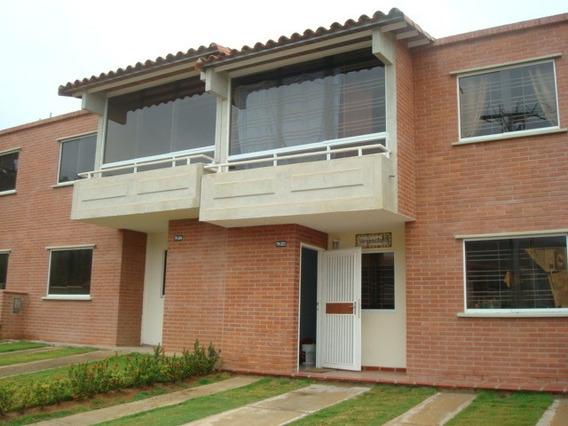 Vendo Bello Town House En Urb. Terrazas Del Valle, Margarita