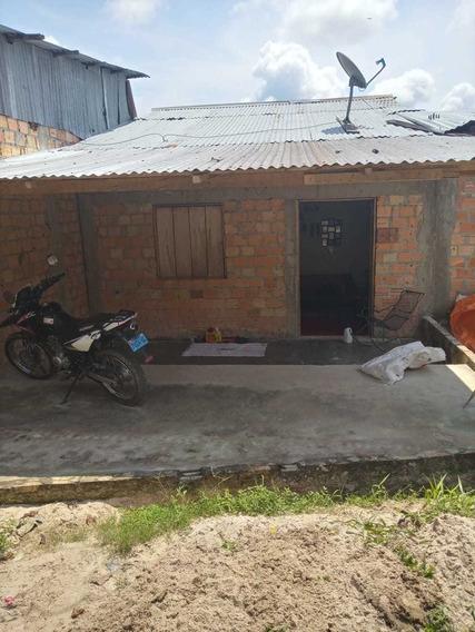Casa Con Proyeccion De 3 Prisos 6x24