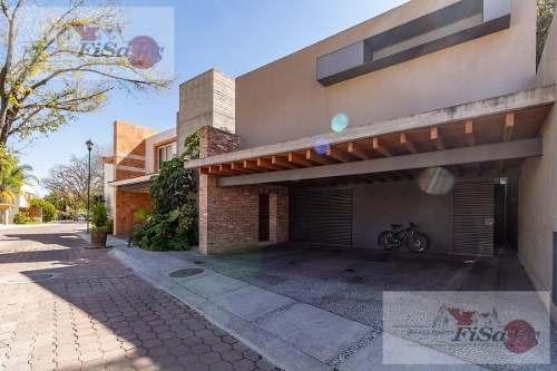 Casa - Fraccionamiento Villas De San Juan