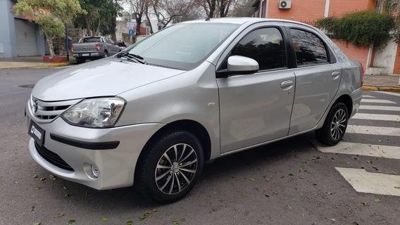 Toyota Etios 1.5 Xs 2014 4 Ptas Dissano Automotores