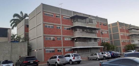 Apartamento Venta Este De Barquisimeto 20-10594 As