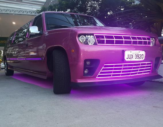 Limousine Rosa. Limousine Suv
