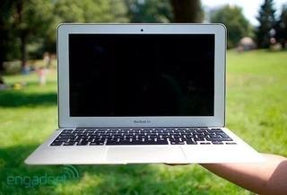 Macbook Air 11.6, 2014 Core I5 1.4ghz, 4gb Ram, 128gb Ssd