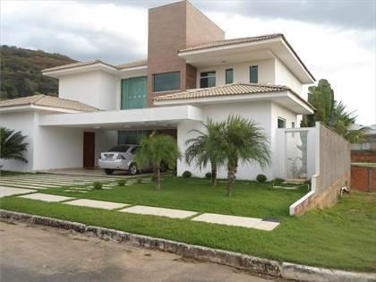 Casa Com:4 Suíte(s)4 Banheiro(s)3 Vaga(s)226m² Área