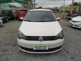 Volkswagen Polo Sedan 1.6 8v Comfortline 4p 2014