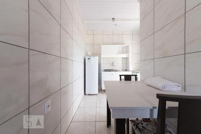 Apartamento No 4º Andar Mobiliado Com 1 Dormitório - Id: 892920036 - 220036