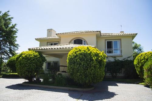 Casa En Venta De 3 Dormitorios En Beverly Hills