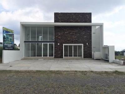 Oficinas/consultorios En La Avenida De Los Diamantes, Esmeralda Norte, Colima.