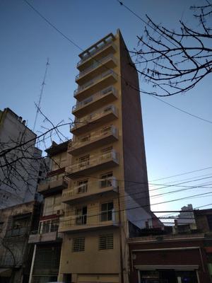 Departamento En Venta - Corrientes Y Pellegrini