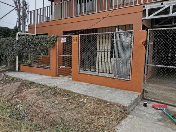 Casa, 3 Cuartos, En Baño, Sala Cosína, Comedor, Cuarto De Pi