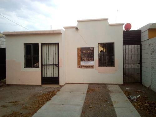 Se Vende Casa En Col. Jacarandas.
