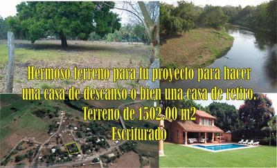 Terreno Amplio Muy Cerca De Un Arroyo Muy Hermoso Recibo Aut