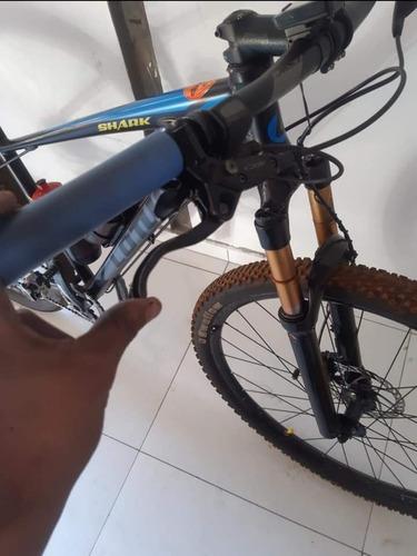Imagem 1 de 2 de Bike Aro 29