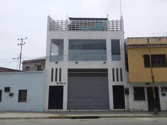 Oficina En Alquiler Zona Colonial G. R. Cod. 19-10310