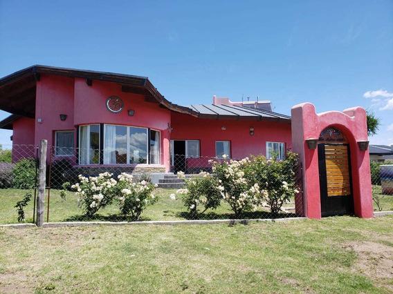 Hermosa Casa En Capilla / Jardin, Piscina Y La Mejor Vista