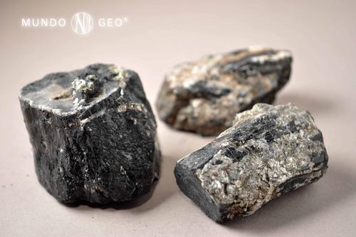 Piedra Turmalina Negra Mediana Con Mica