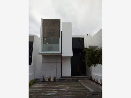 Casa Sola En Venta Residencial Rincón Del Colibrí, Zona Norte De Colima; Con Jardín Posterior...