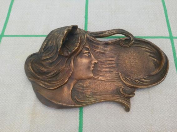 Antiguo Tarjetero De Bronce Art Nouveau Mujer