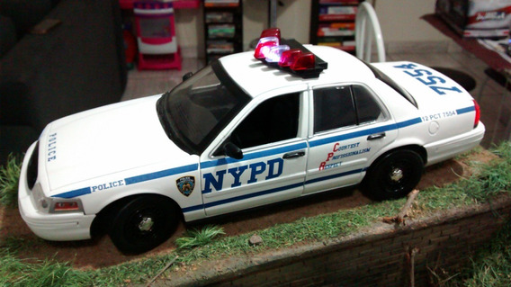 Ford Crown Victoria New York Police Dept 1/18 Luzes E Sirene