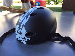 Casco Skate Negro Marca Biscia