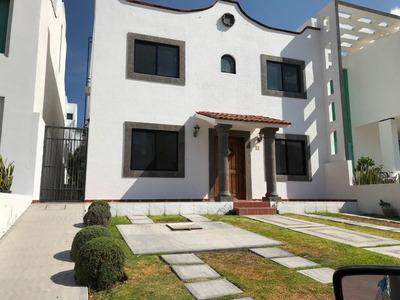 Casa 4 Recámaras, Sala Tv Y Estudio. Chimenea, Jardin Grande