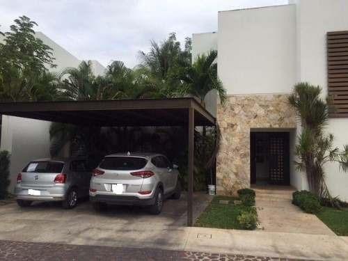 Hermosa Residencia En Privada Zona Norte