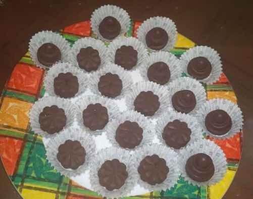 1.-chocolate Relleno De Frutos Secos// 2.-pasta De Cacao