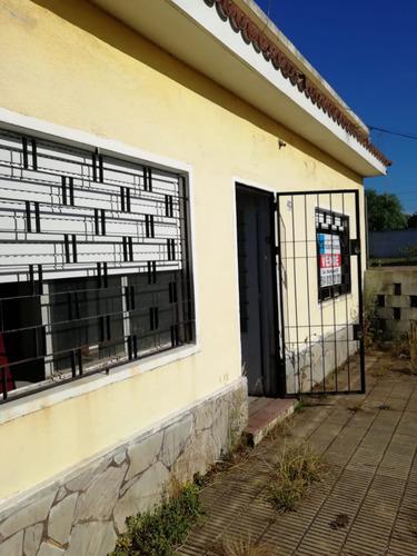 Imagen 1 de 13 de Dos Casas En Punta Rieles En Un Mismo Padrón. Cód 305
