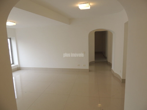 Imagem 1 de 15 de Apartamento Amplo Todo Reformado Em Rua Com Cancela - Pp20069