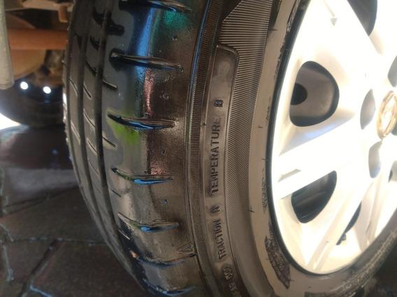 Uno Com 4 Pneus Novos Dunlop!
