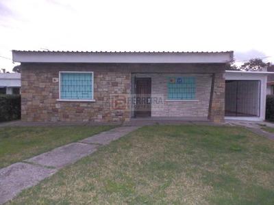 Acepta Banco - Casa Con Garaje X 2 En Un Terreno De 1104 M2