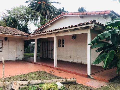 Casa Venta A Refaccionar 4 Dormitorios 3 Baños Y Terreno De 4,922 Mts 2-262 Mts 2 Cubiertos - Villa Elvira