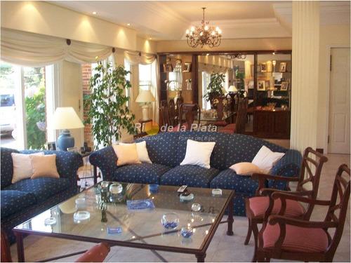 Imagen 1 de 30 de Casa En Cantegril, 5 Dormitorios *- Ref: 10631