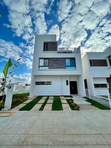 Casa En Playa Del Carmen Nueva De 3 Recamaras Con Terraza