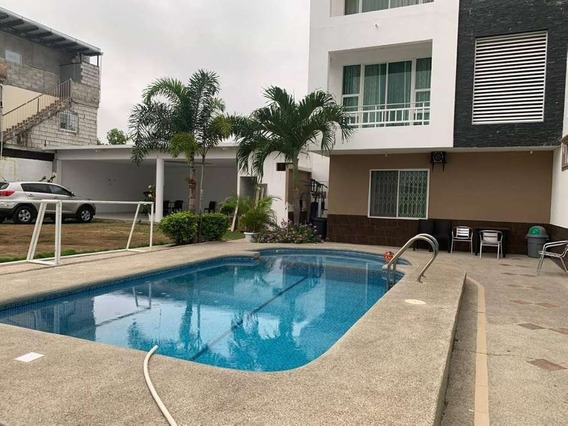 Se Vende Hotel En Manta Diagonal A Plaza Del Sol