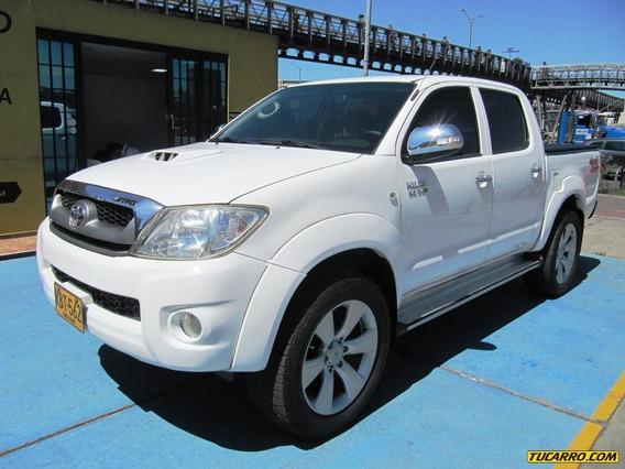 Toyota Hilux Vigo Srv