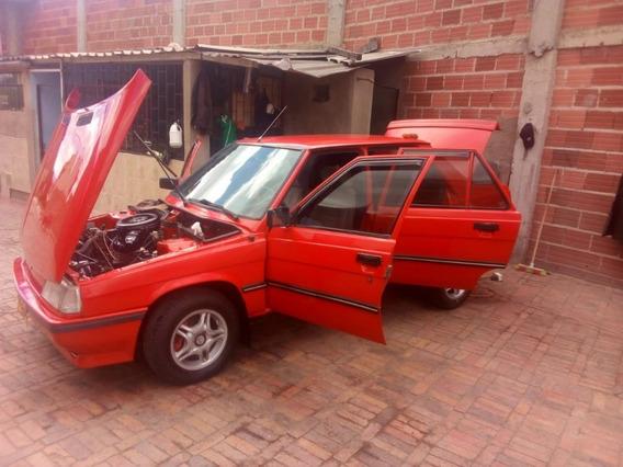 Renault 9 Motor 1400 Color Rojo, 4 Puertas