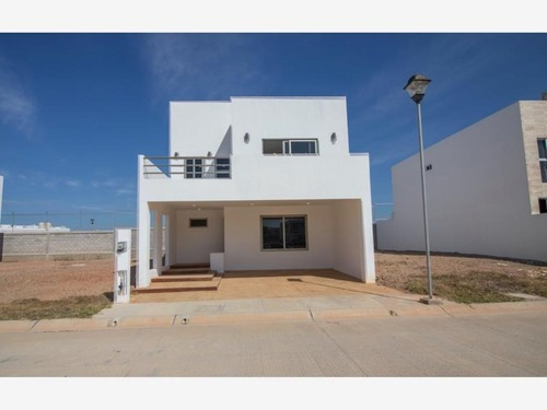 Casa En Venta En Altabrisa Cerritos Privada Tranquila Cerca De Playa