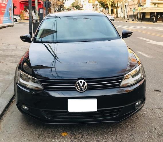 Volkswagen Vento 2.5 Luxury Manual 2012